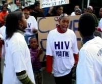* Problema diffusione HIV e reperimento farmaci a pagamento * Impossibilità di somministrazione terapie complete anti HIV a mamme e bimbi a causa del costo elevato *