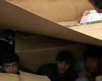 * Viaggio di rientro in nave a Patrasso di alcuni giovani afghani trovati clandestini dentro camion in Italia * Tentativi di immigrazione clandestina verso l'Italia dal porto di Patrasso * Condizioni di vita di grave degrado di giovani stranieri a Patrasso *