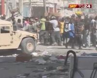 * Servizio giornalistico sui disordini a Port au Prince dopo il terremoto di Haiti *
