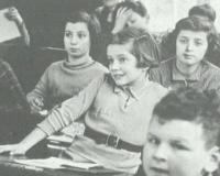 * Testimonianze e racconto della permanenza di giovani ebrei orfani a Villa Emma a Nonantola dall'estate del 1942 all'autunno del 1943 * Attività dell'organizzazione Delasem per l'assistenza agli ebrei emigranti *
