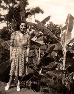 Luce Fabbri nella proprietà dei Garavini in Amazzonia, 1946