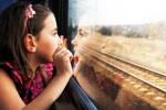 bimba in treno